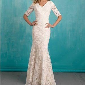 Wedding Dress Allure Bridal M551